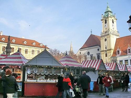 Viano�n� trhy Bratislava